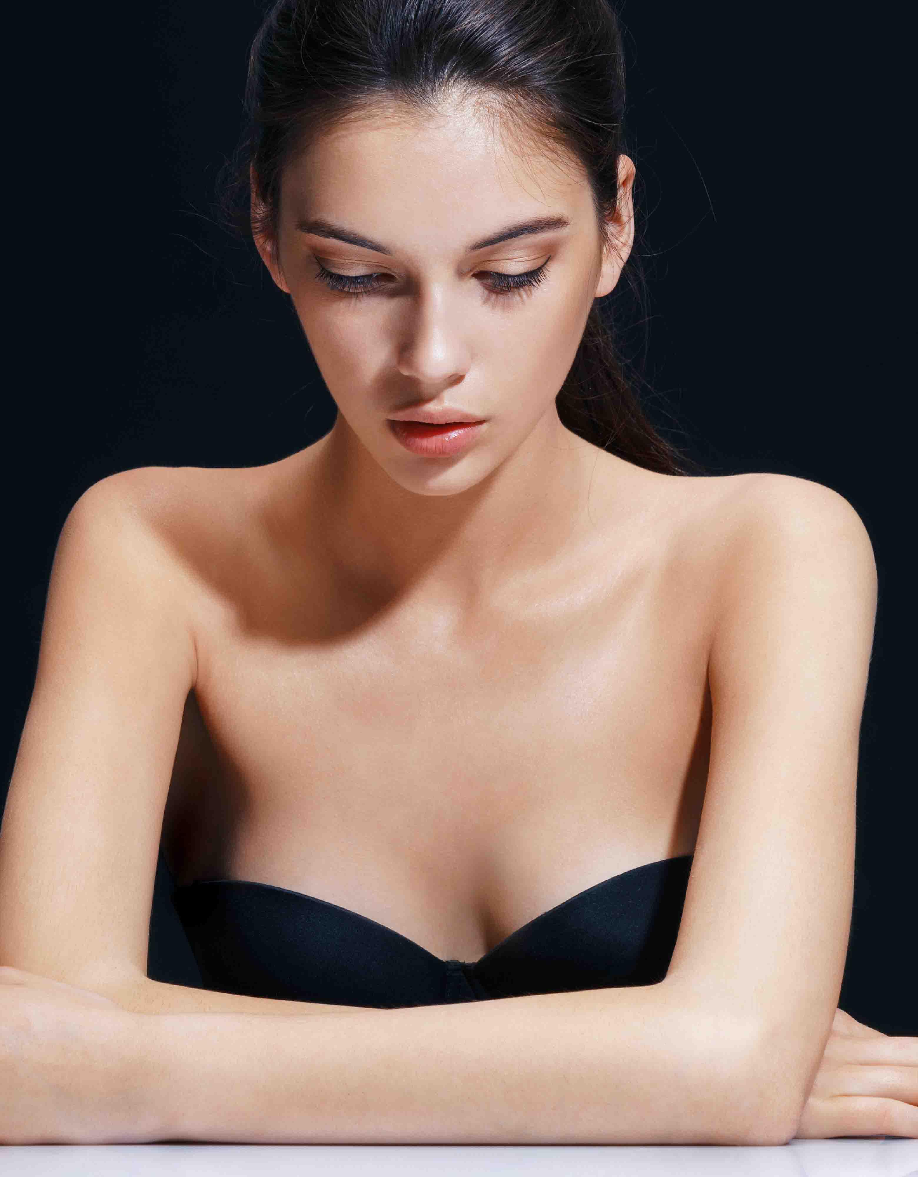 Hay unos masajes para el aumento de los pechos