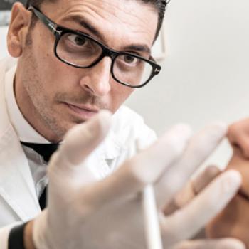 Dr. Carlos Jarne