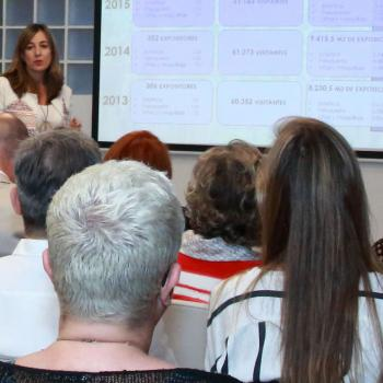 Julia González, directora comercial de Salón Look Madrid, durante la presentación.