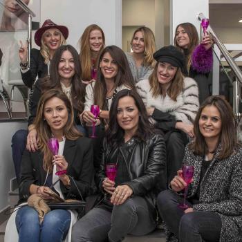 La inauguración contó con la presencia de conocidas bloggers y expertas en belleza.